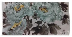 Bath Towel featuring the painting Peoney20161229_5 by Dongling Sun