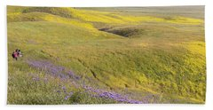 Hand Towel featuring the photograph Photographing Carrizo by Marc Crumpler