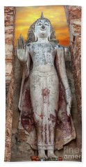 Hand Towel featuring the photograph Phra Attharot Buddha by Adrian Evans