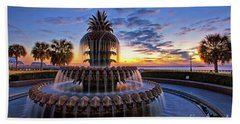 The Pineapple Fountain At Sunrise In Charleston, South Carolina, Usa Hand Towel