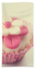 Hand Towel featuring the photograph Pink Cupcake by Lyn Randle