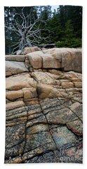 Pink Granite And Driftwood At Schoodic Peninsula In Maine  -4672 Bath Towel