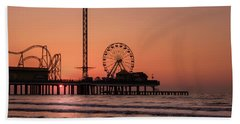 Bath Towel featuring the photograph Pleasure Pier At Sunrise by James Woody