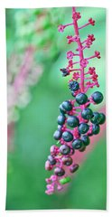 Poke Berries Hand Towel