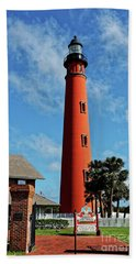 Hand Towel featuring the photograph Ponce Inlet Light by Paul Mashburn
