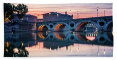 Bath Towel featuring the photograph Pont Neuf In Toulouse At Sunset by Elena Elisseeva