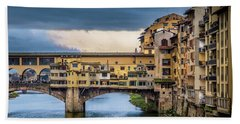 Bath Towel featuring the photograph Ponte Vecchio E Gabbiani by Sonny Marcyan