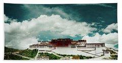 Potala Palace. Lhasa, Tibet. Dalai Lama. Yantra.lv Hand Towel