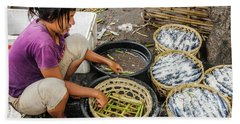 Preparing Pindang Tongkol Bath Towel by Werner Padarin