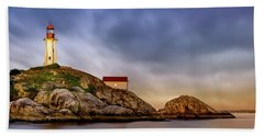 Pt Atkinson Lighthouse Sunset Bath Towel
