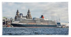 Queen Elizabeth Cruise Ship At Liverpool Hand Towel