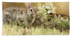 Eastern Cottontail Rabbit In Grass Bath Towel by Janette Boyd