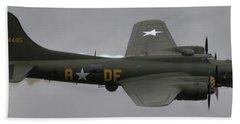 Raf Scampton 2017 - B-17 Flying Fortress Sally B Smoke Bath Towel
