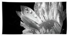 Raindrops On Daisy Black And White Bath Towel