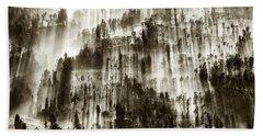 Bath Towel featuring the photograph Rays Of Light by Pradeep Raja Prints