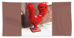 Bath Towel featuring the photograph Red And Black Rooster by Jay Milo