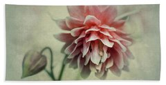 Red And Pink Columbine Bath Towel
