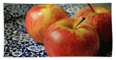 Red Apples Bath Towel