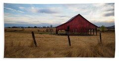 Red Barn In California Bath Towel