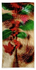 Red Holly Spinning Bath Towel