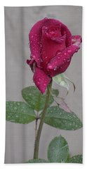 Red Rose In Rain Bath Towel