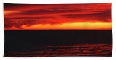 Red Sky At Night Bath Towel