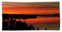 Red Sky On The Illinois River Bath Towel
