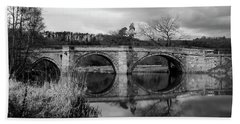 Reflecting Oval Stone Bridge In Blanc And White Hand Towel