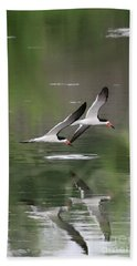 Reflection Of Skimmers Over The Pond Bath Towel