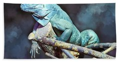 Hand Towel featuring the photograph Relaxation by Jutta Maria Pusl