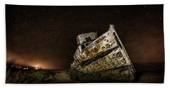 Bath Towel featuring the photograph Reyes Shipwreck by Everet Regal