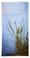 Hand Towel featuring the photograph Riverbank Beauty by Carolyn Marshall