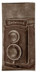 Hand Towel featuring the photograph Rollie by Keith Hawley