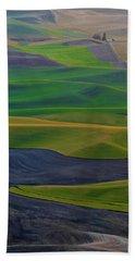 Rolling Fields Of The Palouse Bath Towel by James Hammond