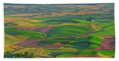Rolling Green Hills Of The Palouse Bath Towel by James Hammond
