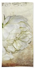 Bath Towel featuring the photograph Roses by Carolyn Marshall