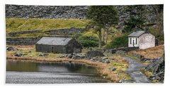 Bath Towel featuring the photograph Ruins At Cwmorthin by Adrian Evans