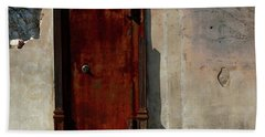 Bath Towel featuring the photograph Rustic Ruin by Lori Mellen-Pagliaro