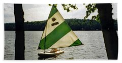 Sailing On Lake Dunmore No. 1 Hand Towel