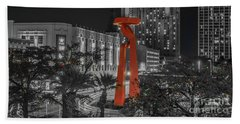 San Antonio La Antorcha De La Amistad Sculpture In Selective Color Hand Towel