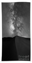 Sand Dune Milky Way Panorama Bw Bath Towel