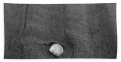 Bath Towel featuring the photograph Sandlines by Jouko Lehto