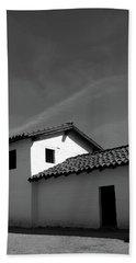 Santa Barbara Presidio 2- Photograph By Linda Woods Hand Towel