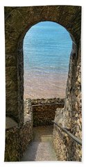Bath Towel featuring the photograph Sea View Arch by Scott Carruthers