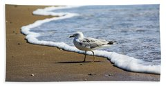 Bath Towel featuring the photograph Seagull by David Chandler