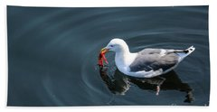 Seagull Feasting On Crab Bath Towel by Suzanne Luft