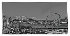 Bath Towel featuring the photograph Seattle Black And White by Linda Bianic