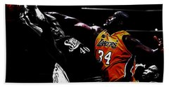 Shaq Protecting The Paint Hand Towel