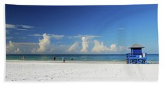 Bath Towel featuring the photograph Siesta Key Life Guard Shack by Gary Wonning