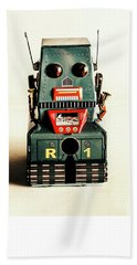 Simple Robot From 1960 Hand Towel